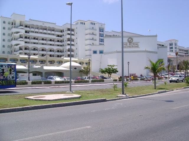 HOTEL ROYAL CARIBE REAL