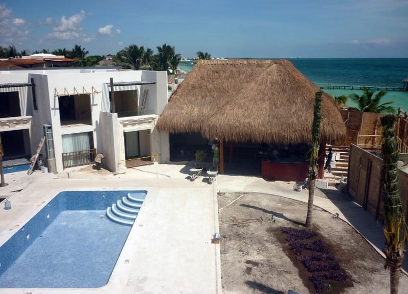 HOTEL AZUL BEACH