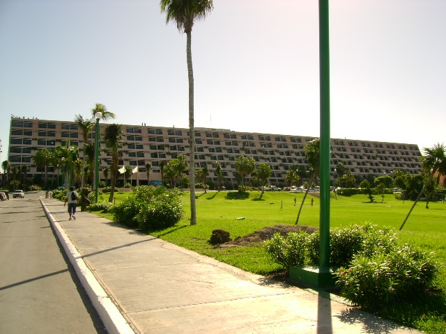 HOTEL GRAND OASIS